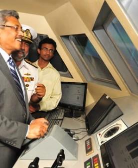 Defense secretary, commander of the Navy highly appreciated