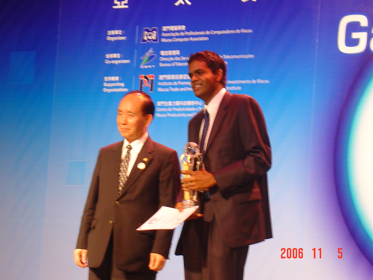 Nuwan I Senaratna Won The Gold Award At The Asia Pacific ICT Awards (APICTA)